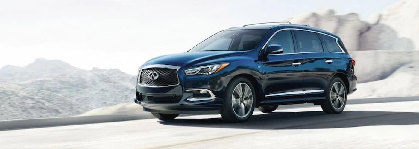 2019 INFINITI QX60 on Highway