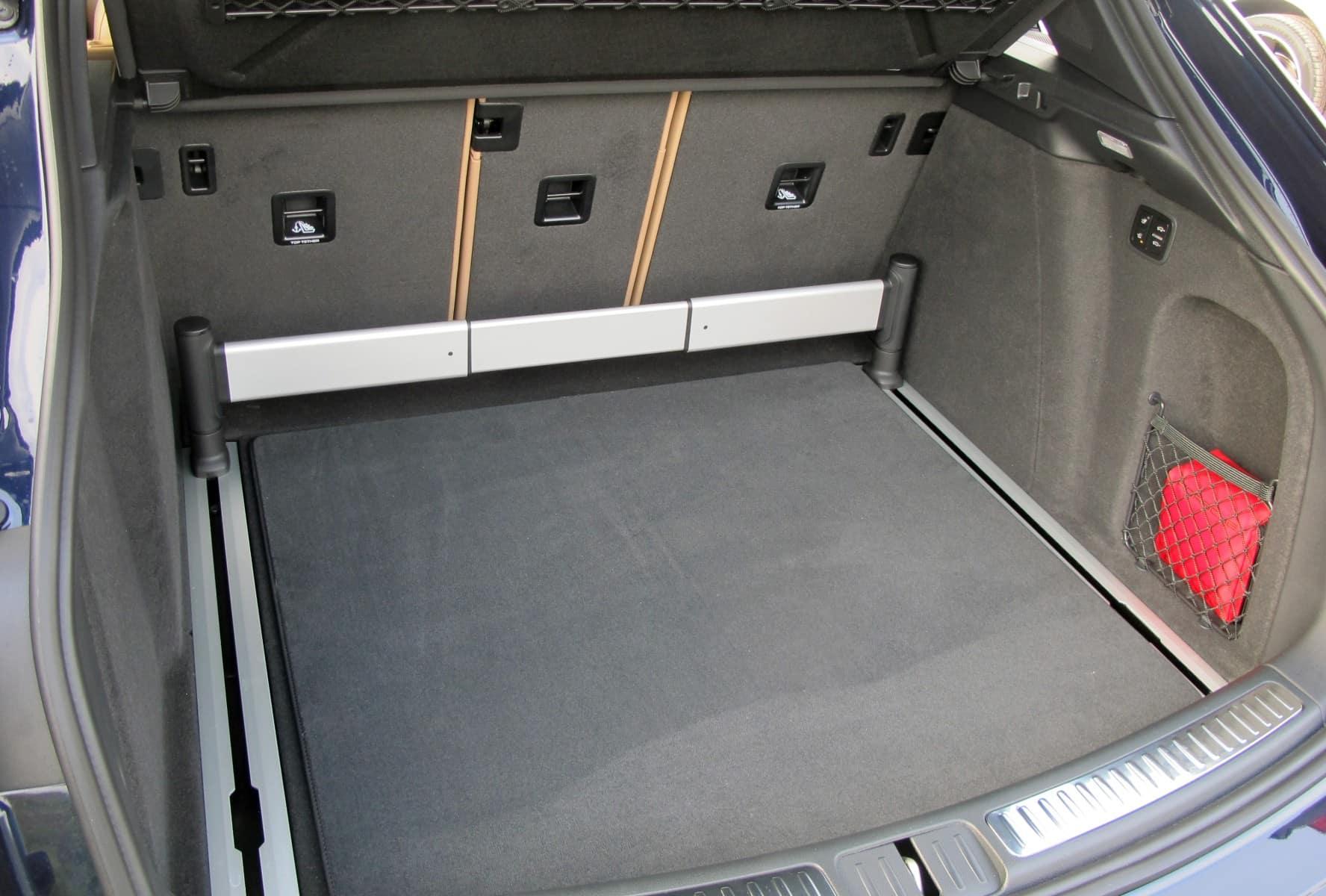 2019 Porsche Macan Cargo Interior