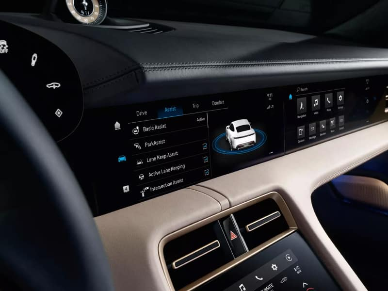 Touchscreen display inside the 2020 Porsche Taycan