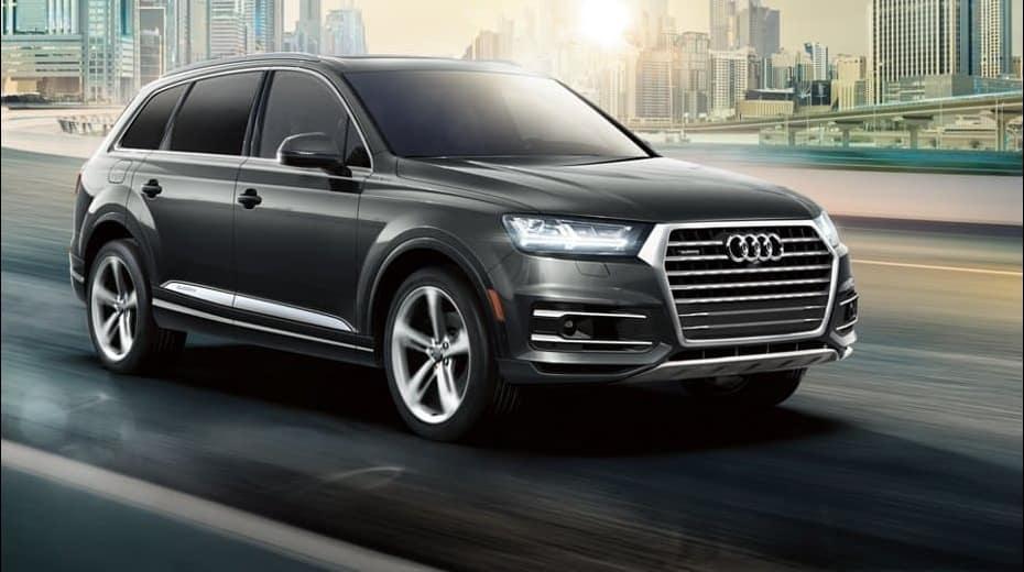 2019 Audi Q7 exterior driving