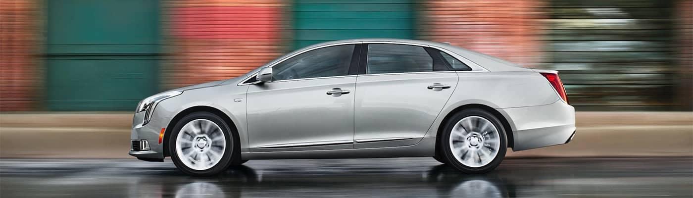 Cadillac XTS Driving