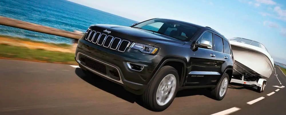 2019 Jeep Grand Cherokee towing a boat