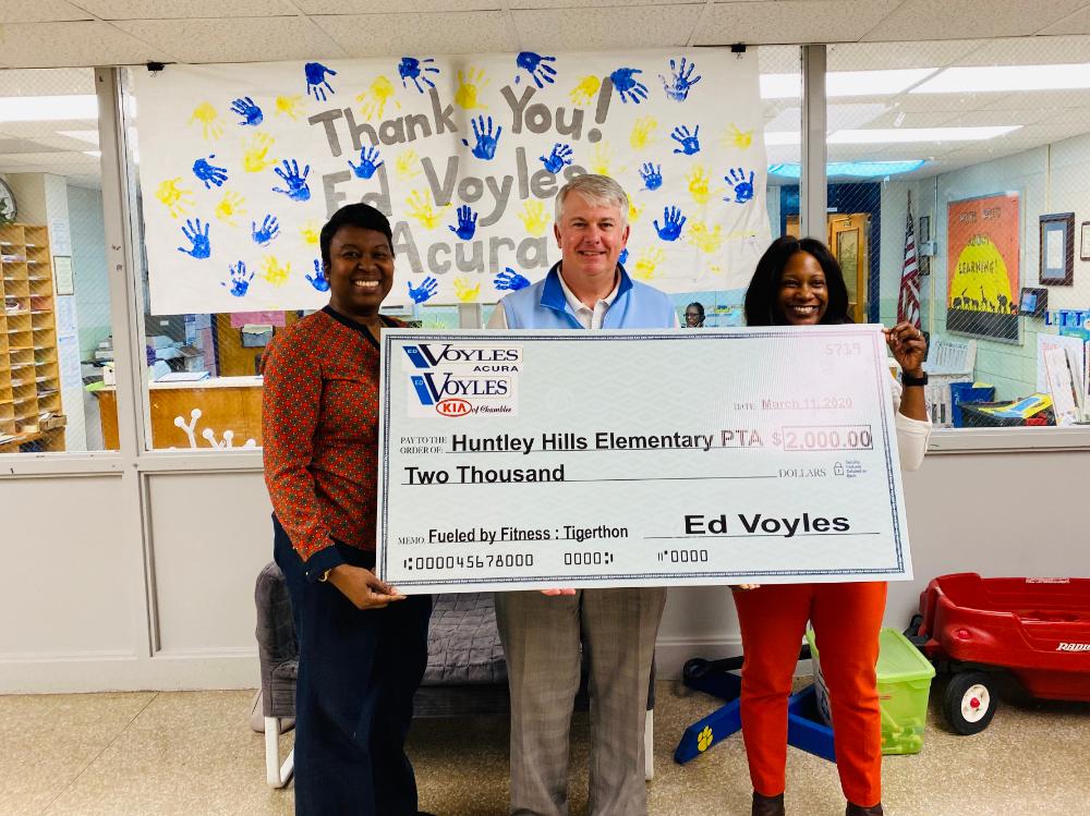 Ed Voyles Kia Chamblee donates to Huntley Hills Elementary PTA