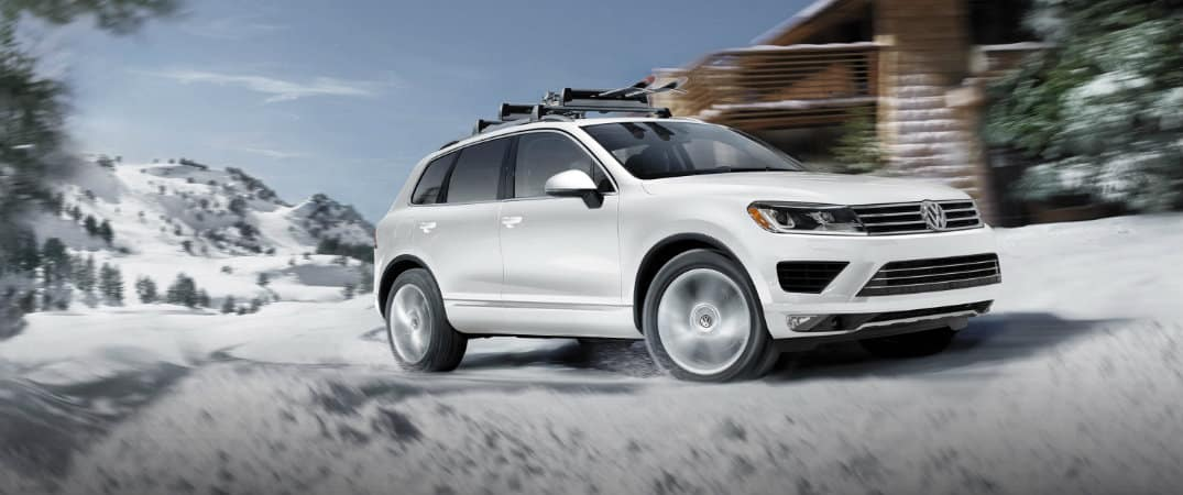 Volkswagen Touareg Perform in The Snow