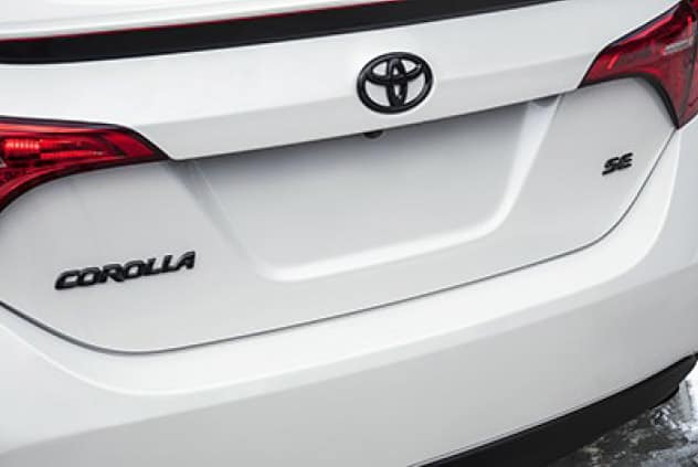 2017 Toyota Corolla 17AE 3PC EMBL OVRLAY
