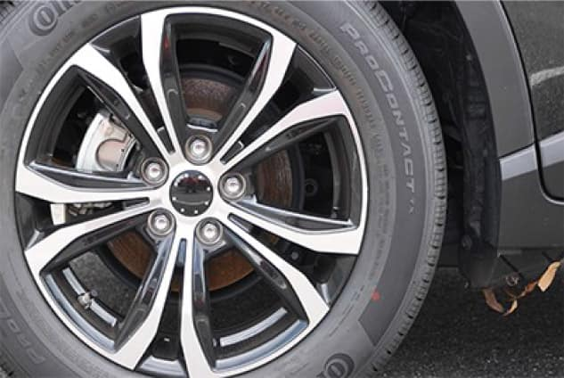 2019 Toyota Rav4 17inch Alloy in Gloss Black with a Machined Face