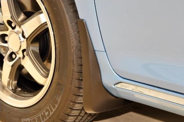 2020 Toyota Camry Mudguards - L LE XLE