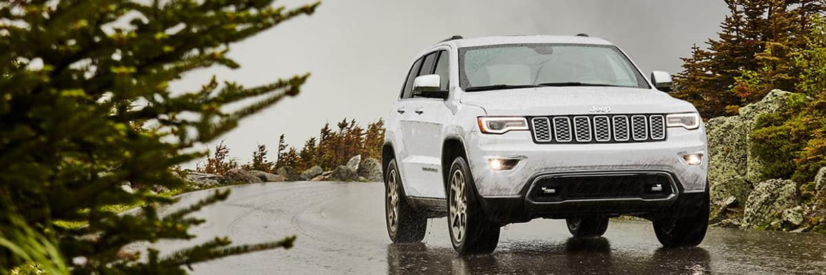 2021 Jeep Grand Cherokee White Front Exterior Picture