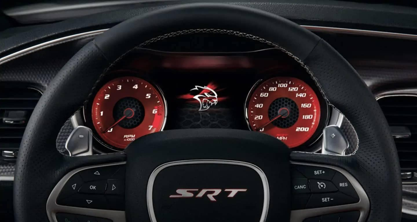 2019-Dodge-Charger-steering-wheel
