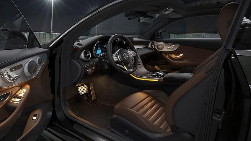 2020 Mercedes-Benz C-Class Cabin
