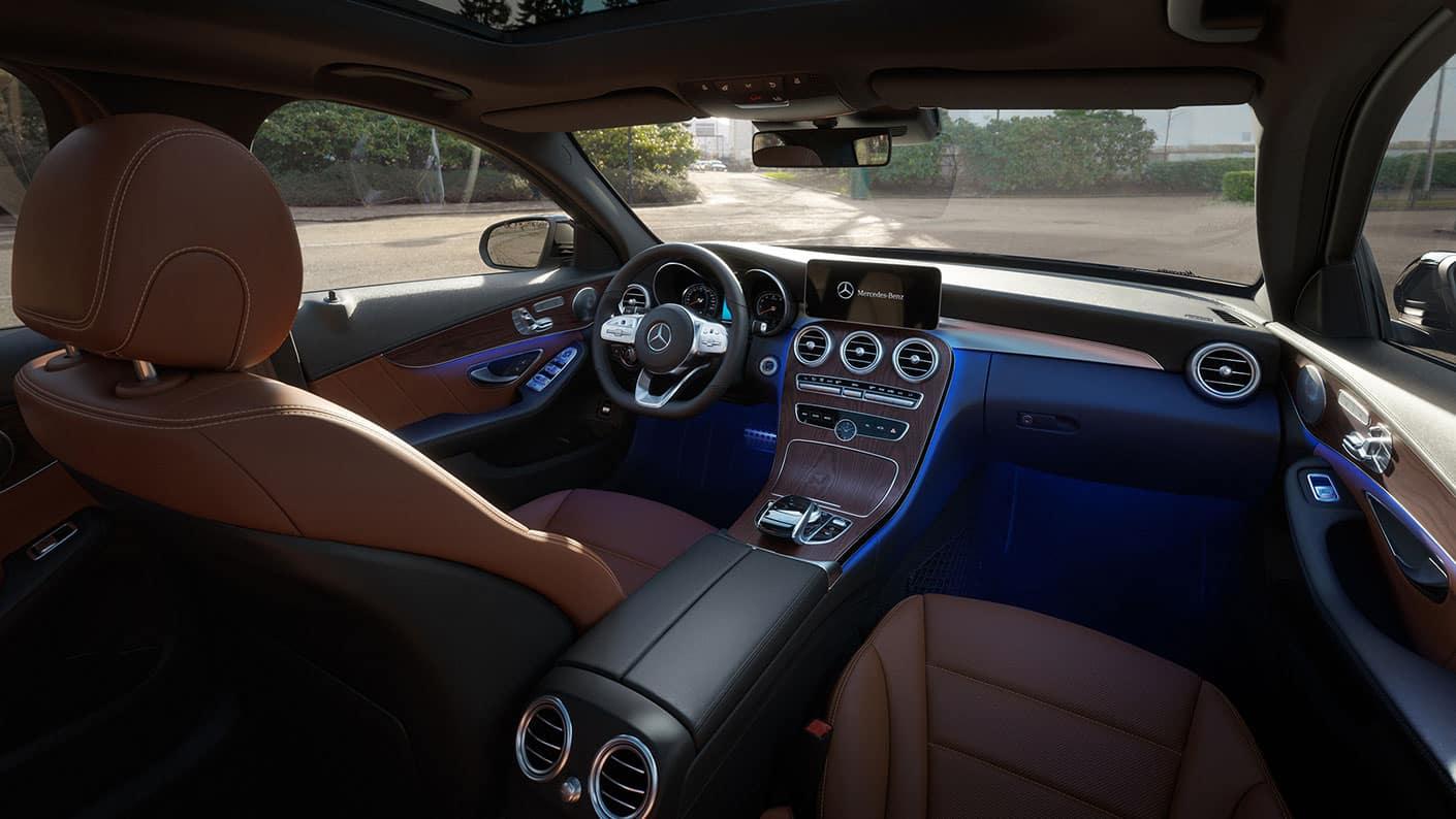 2019-Mercedes-Benz-C-Class-Sedan-front-interior