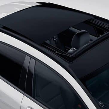 2019-Mercedes-Benz-GLA-rooftop