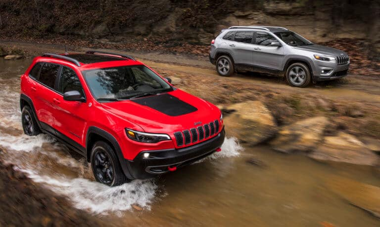 2019 Jeep Cherokee Trailhawk exterior off-road in stream