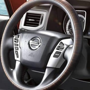 2019-Nissan-Titan-Steering-wheel