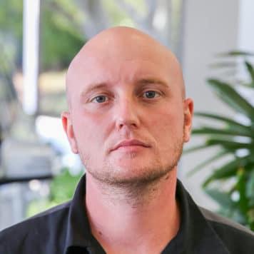 Travis  Burton