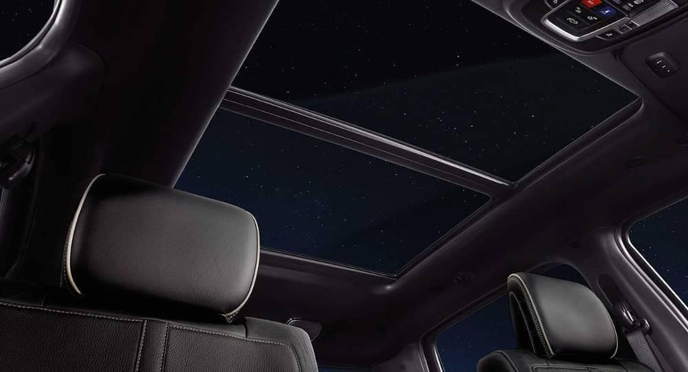 2019-Ram-1500-panoramic-sunroof