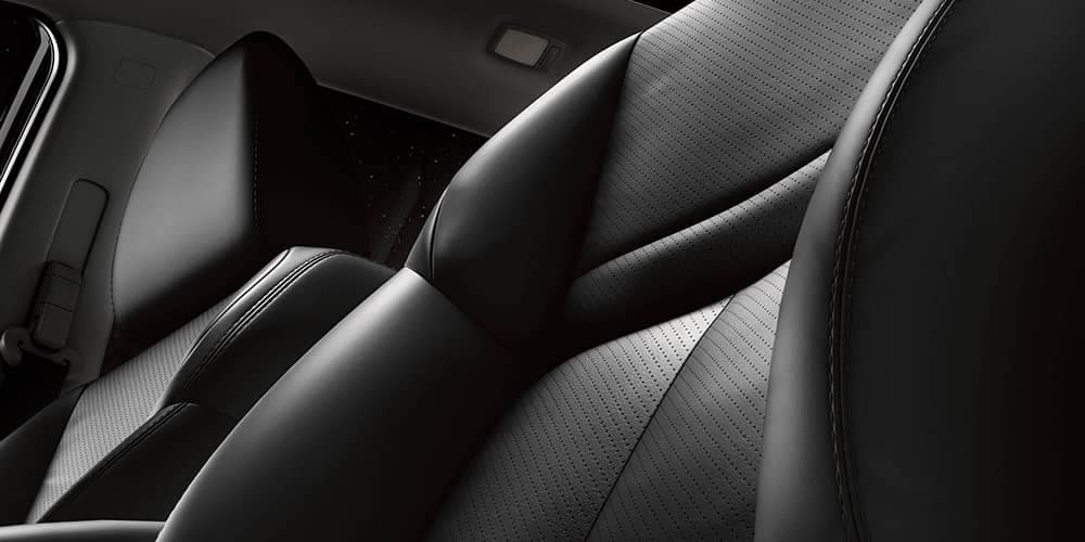 2019-nissan-rogue-leather-seat
