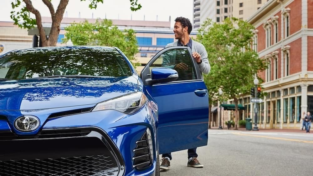 new 2019 Toyota Corolla fuel economy vs the competition