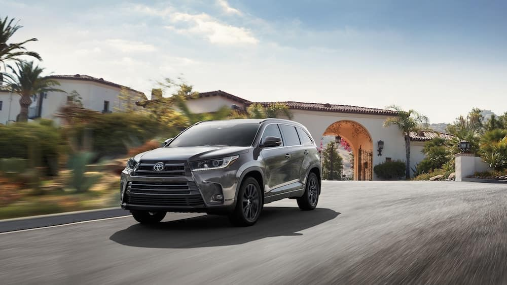 new 2019 Toyota Highlander 0-60 mph acceleration vs the competition