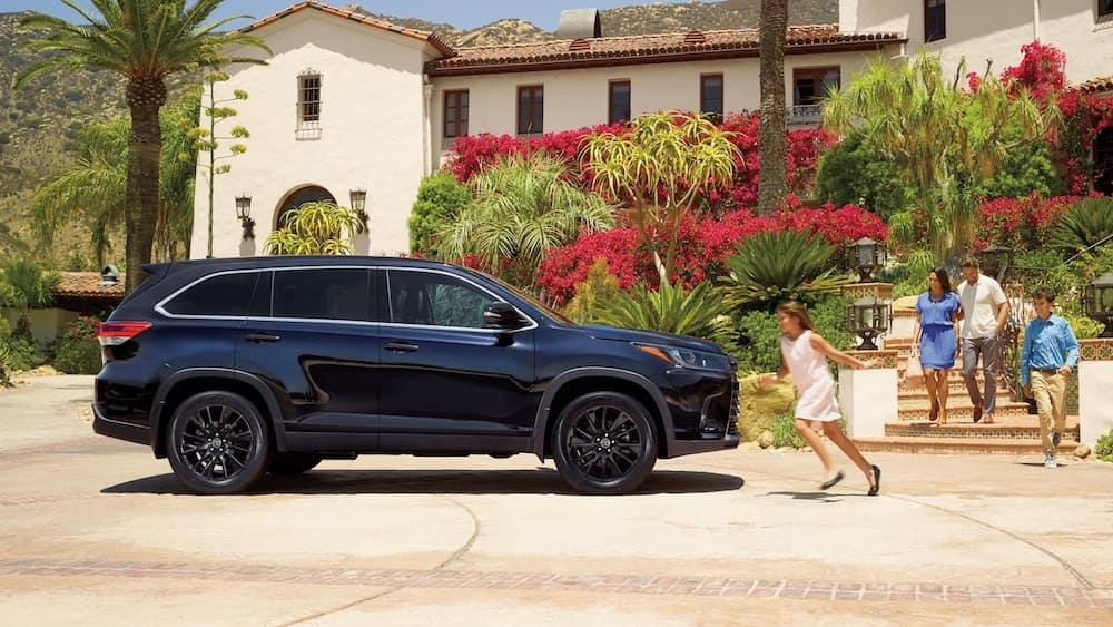 new 2019 Toyota Highlander driver alert monitor vs the competition