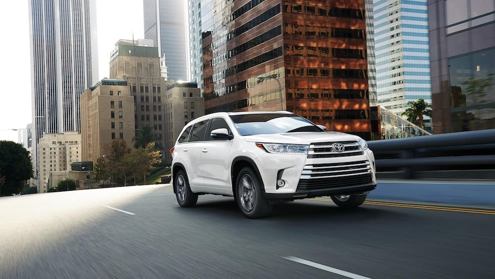 new 2019 Toyota Highlander starting MSRP vs the competition