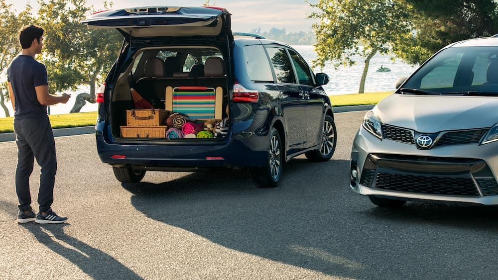 new 2019 Toyota Sienna starting MSRP vs the competition