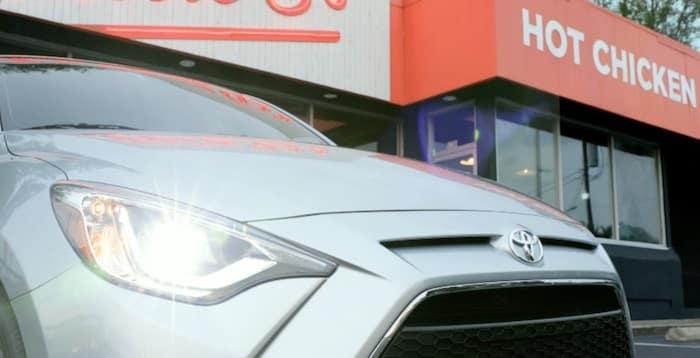 2020 Toyota Yaris auto on/off LED headlights