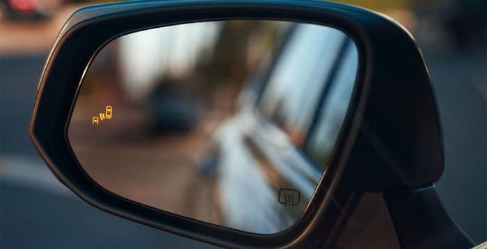 2020 Toyota Highlander Blind Spot Monitor with Rear Cross-Traffic Alert